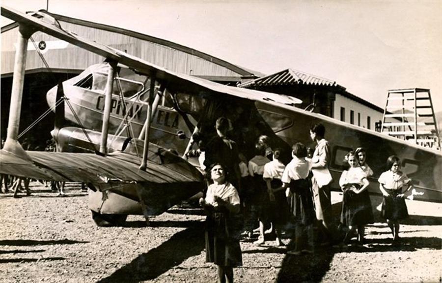 El Archivo Provincial celebra el centenario del aeropuerto con documentos fotográficos